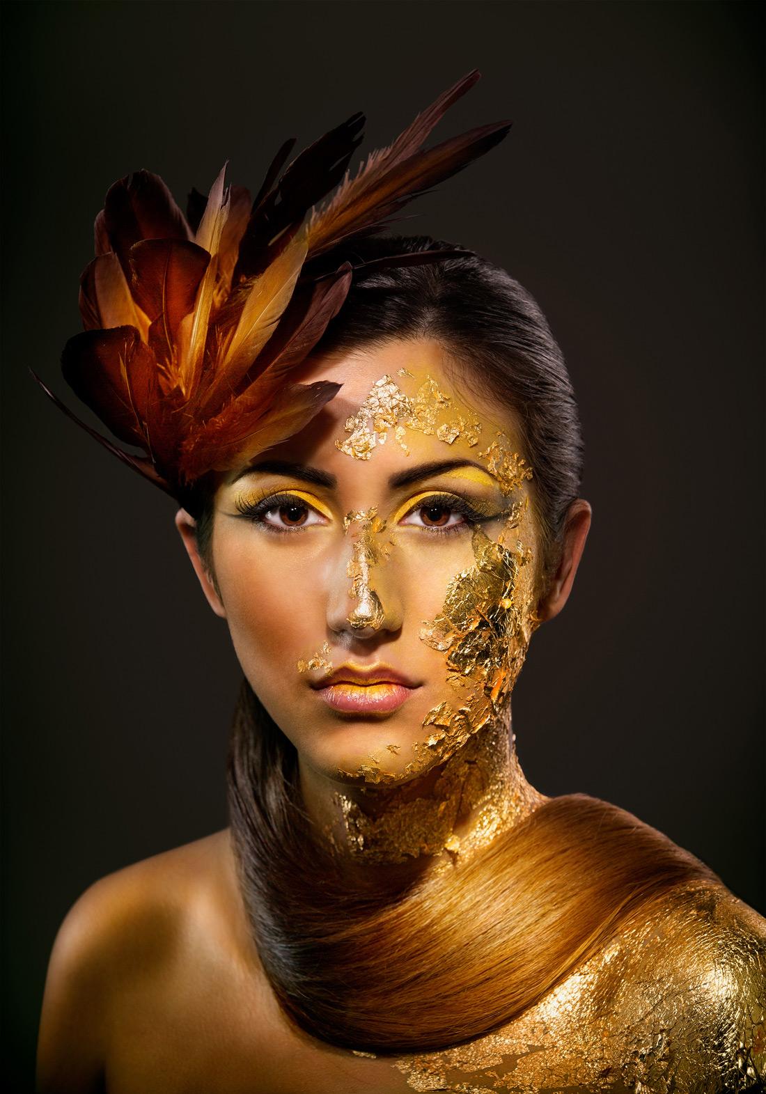 Retrato Penas Amarelo ouro Aveiro